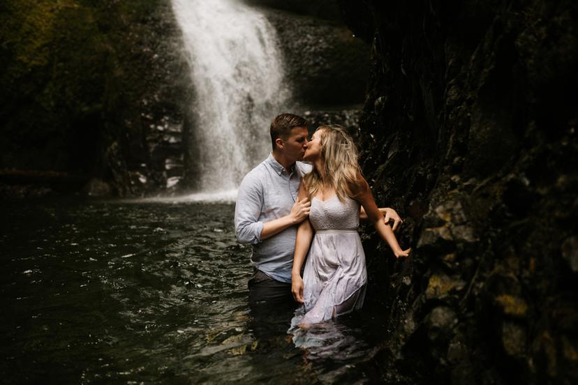 Oneonta Gorge Engagement | Brenden and Katlyn