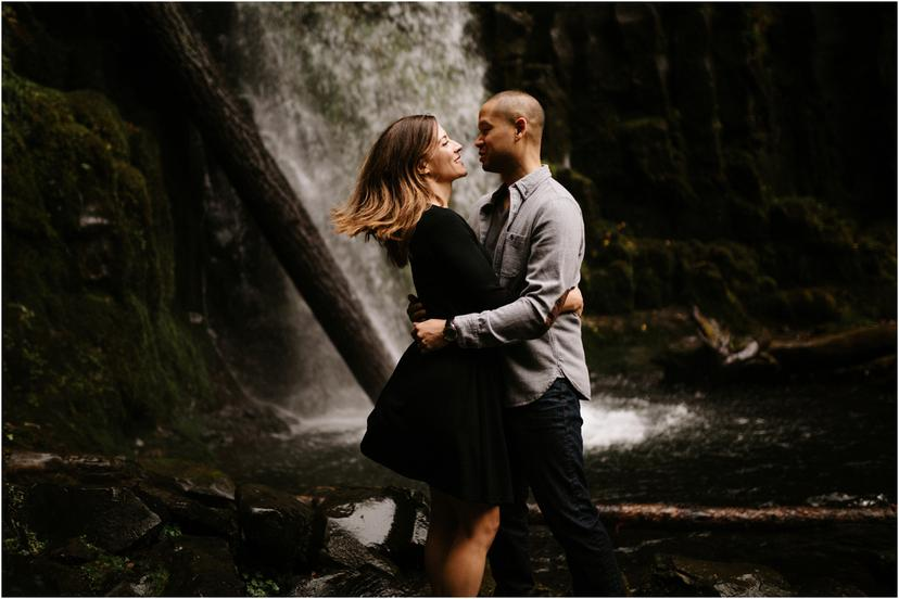 Autumn Engagement Photos at Dry Creek Falls in the Columbia River Gorge
