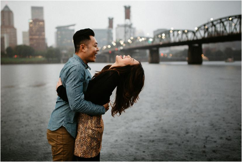 Rainy Portland Couples Photos on the Eastbank Esplanade