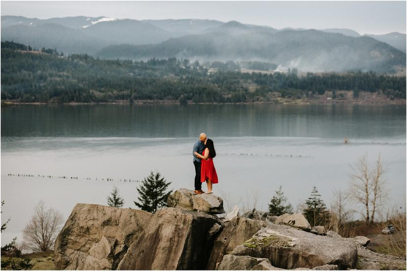 Columbia River Gorge Engagement Photos | Smithry and Marvin