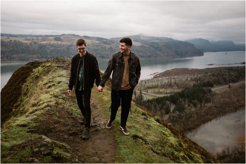 Portland Same Sex Couples Photos in the Columbia River Gorge