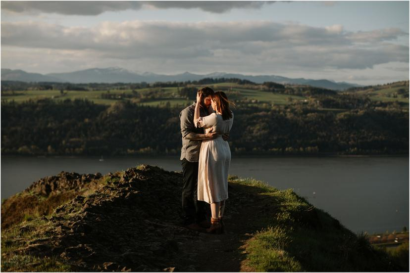 Spring Engagement Photos in the Columbia River Gorge | Kimberly and Ryan